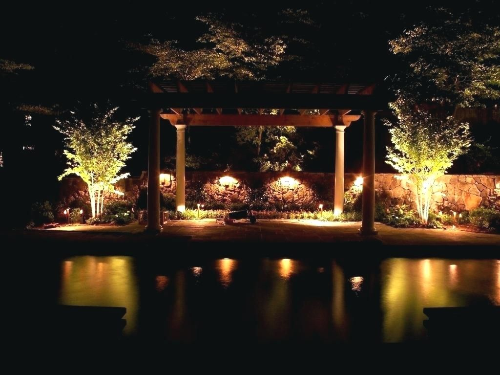 Awesome Diy Outdoor Lighting Designs To Build Yourself To Accent Your Patios Outdoor Pat Landscape Lighting Kits Outdoor Lighting Design Diy Outdoor Lighting