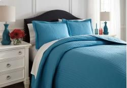 Q495003Q In By Ashley Furniture In Winston Salem, NC   Queen Coverlet Set