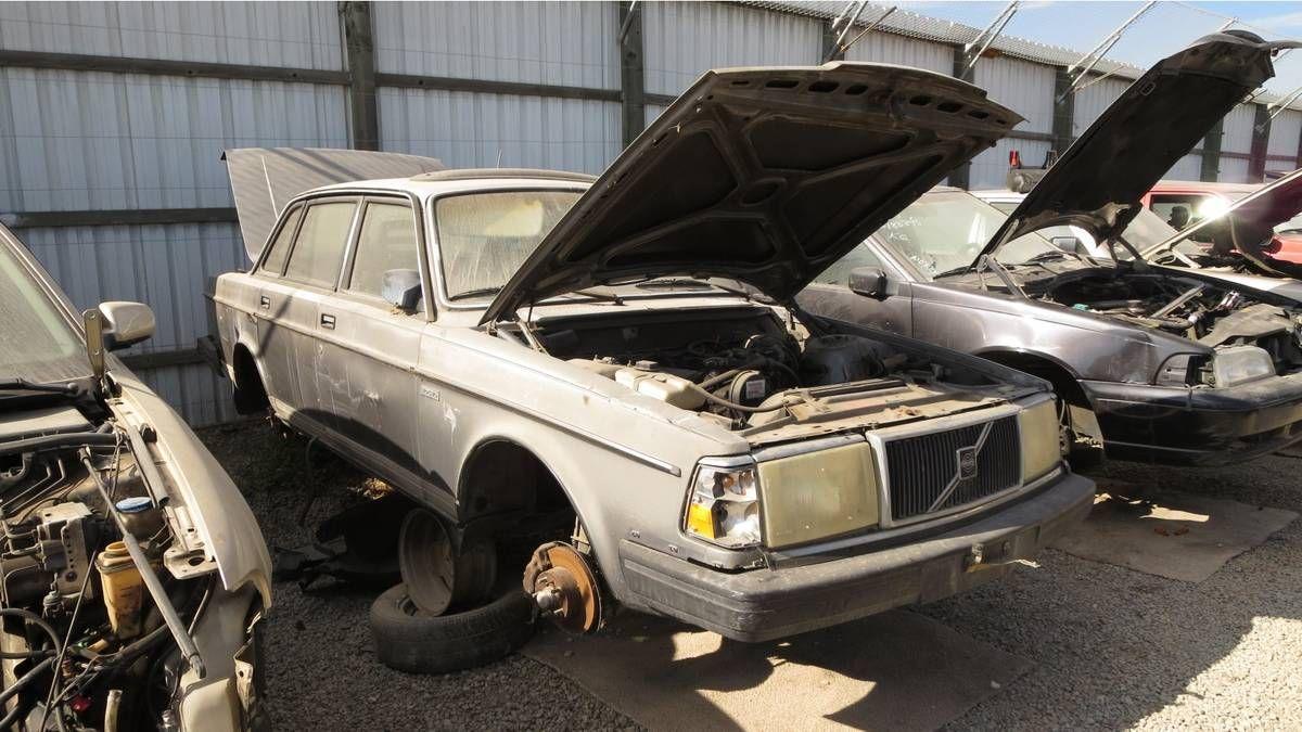 Volvo 244 San Francisco Bay Area Wrecking Yard Cars Graveyard
