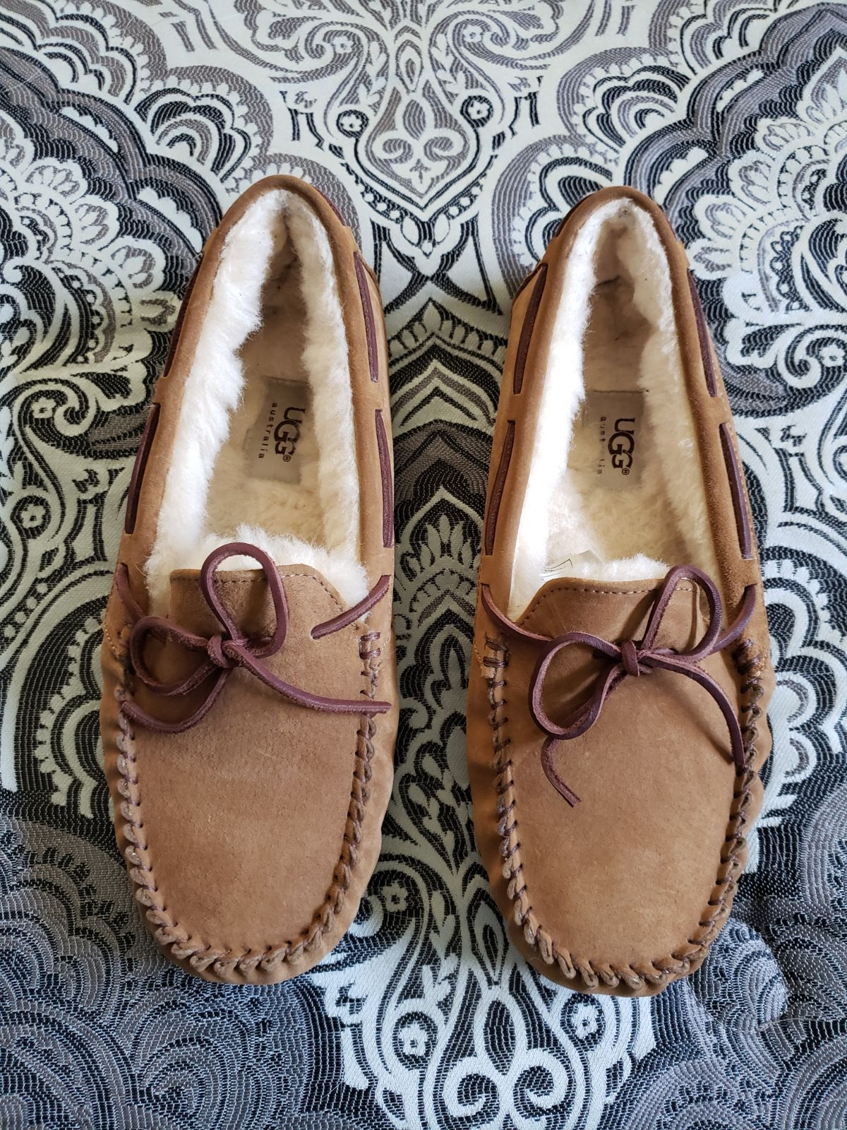 4718d80c32e Womens ugg moccasins size 9. In good condition. Light wear on the ...
