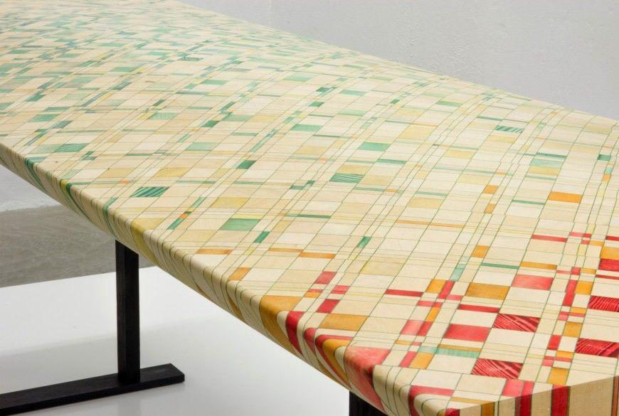 Des Meubles En Marqueterie Geometrique Colore Mobilier De Salon Marqueterie Dessin Geometrique