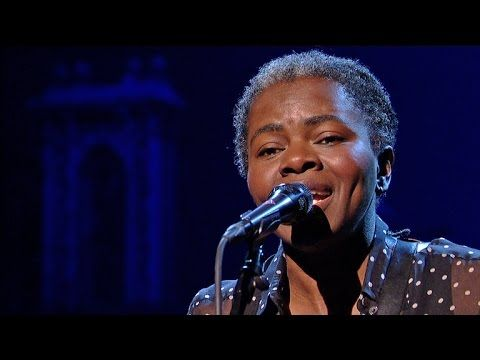 "Tracy Chapman: ""Stand By Me"" - David Letterman. So much in love with her voice !  Beautiful (:"