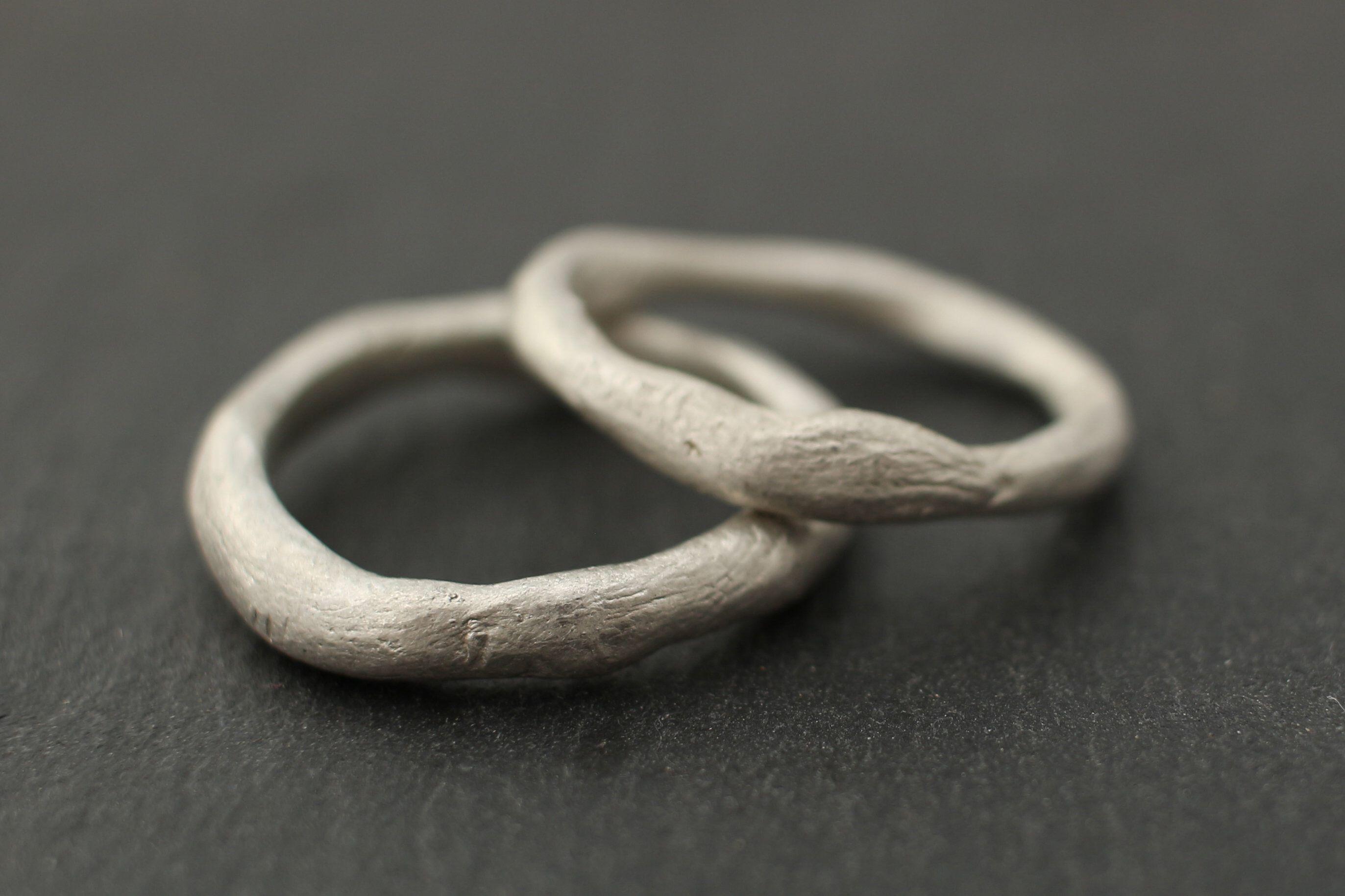 Aussergewöhnliche Eheringe Schlicht Organisch Silber Etsy Ehering Schlicht Außergewöhnliche Eheringe Trauringe Einfach