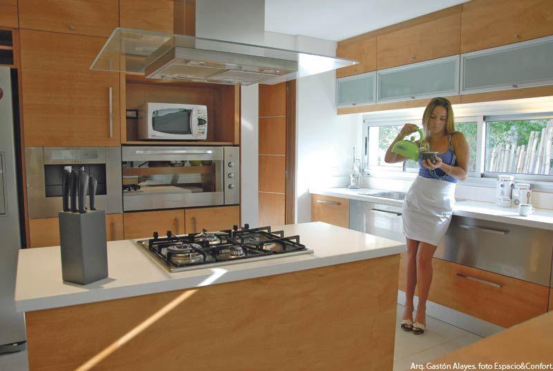 Cocinas con islas para espacios peque os buscar con Modelos de cocinas modernas para espacios pequenos