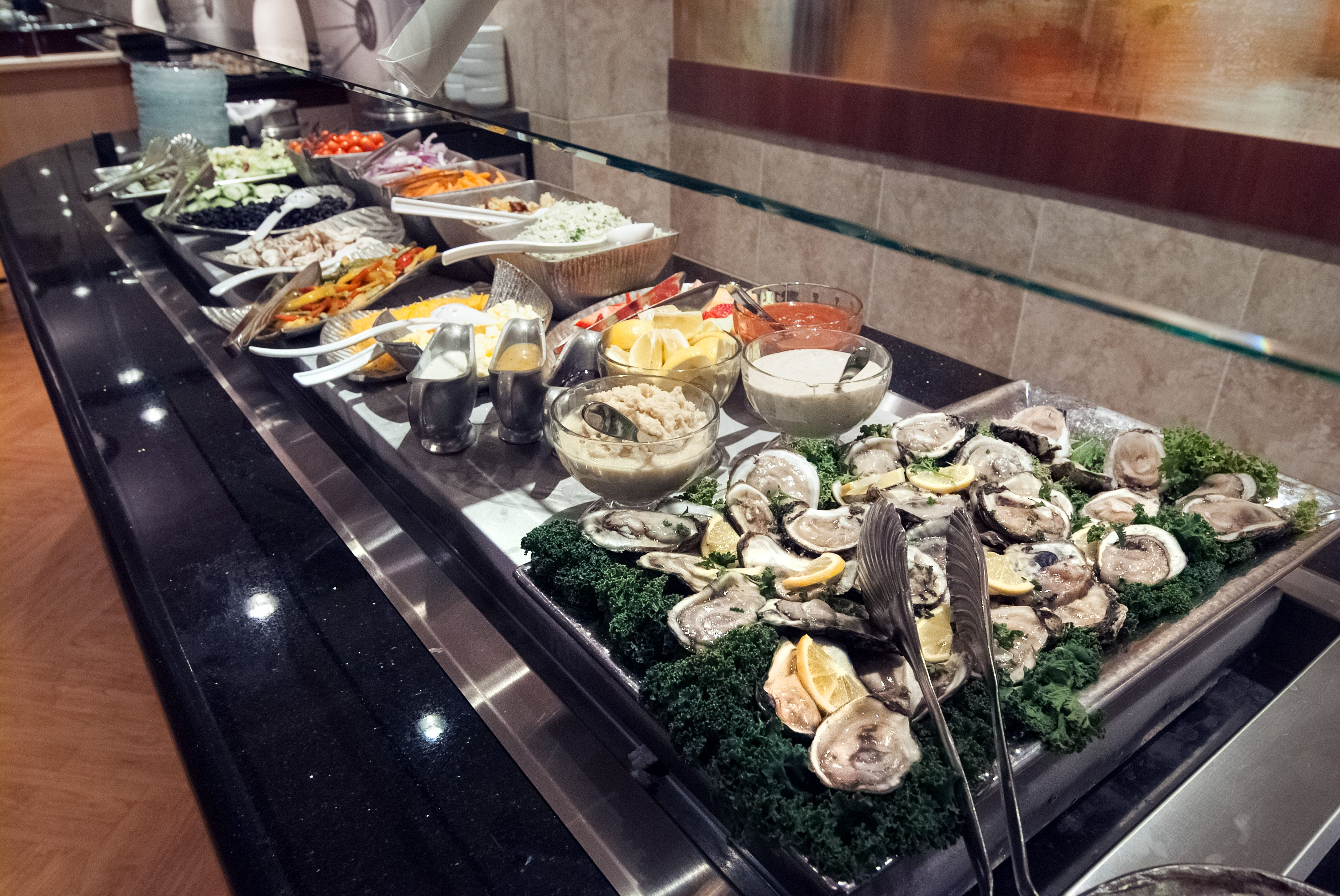 Awe Inspiring Crowne Plaza Baton Rouge Fresh Seafood Buffet 24 95 Interior Design Ideas Jittwwsoteloinfo