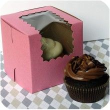 cute packaging option- cupcakes make a worthy gift!
