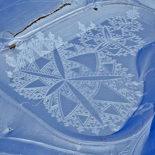 雪原に足で刻む美しい模様「Man Walks All Day to Create Massive Snow Patterns」