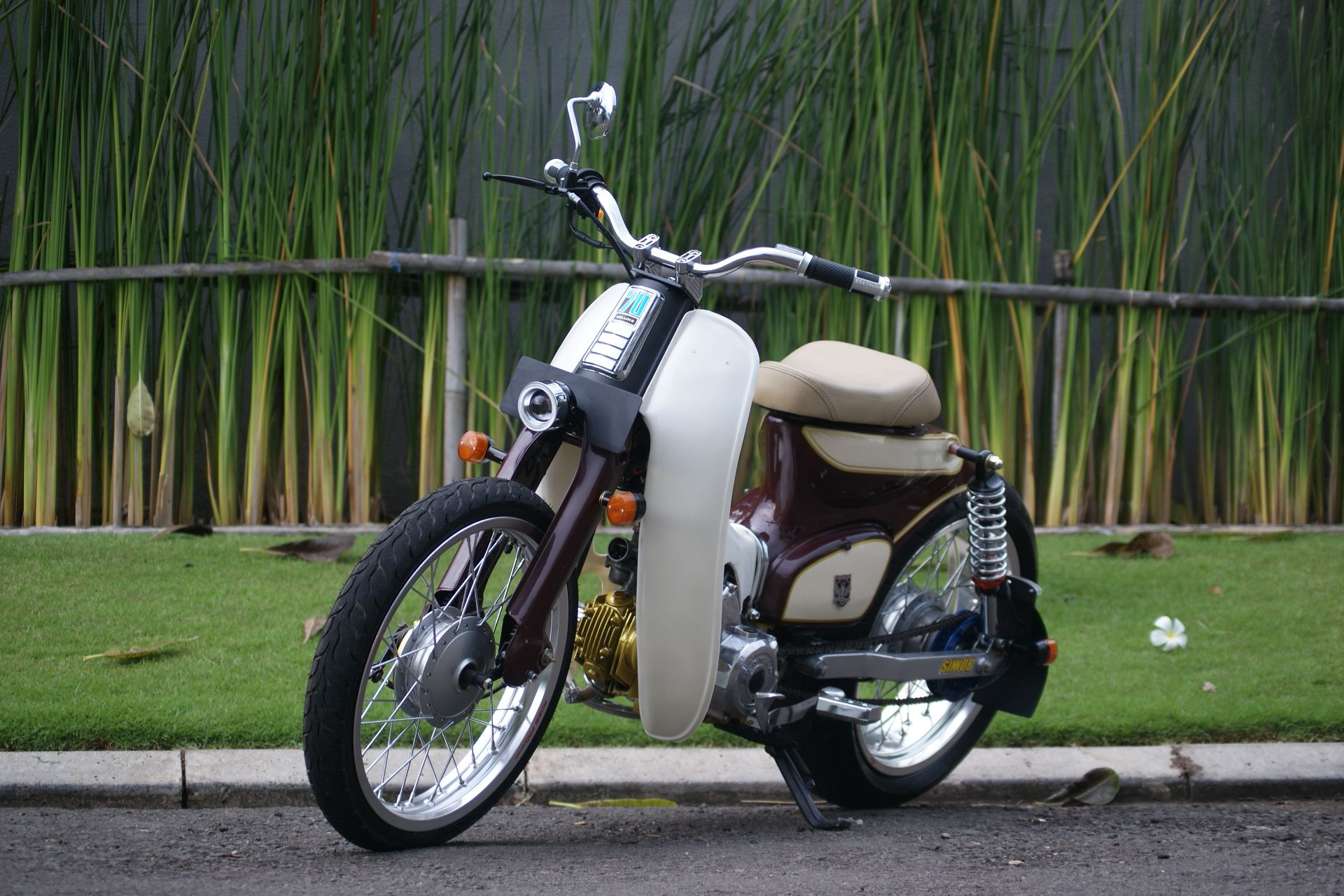 Street cub by newspeed garage benzema motorcycle for Garage modification
