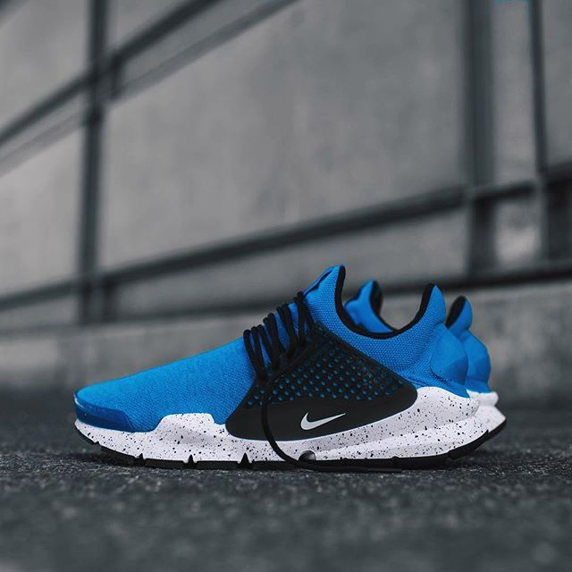 best sneakers 406e8 9b01a Nike Sock Dart (with custom socks)