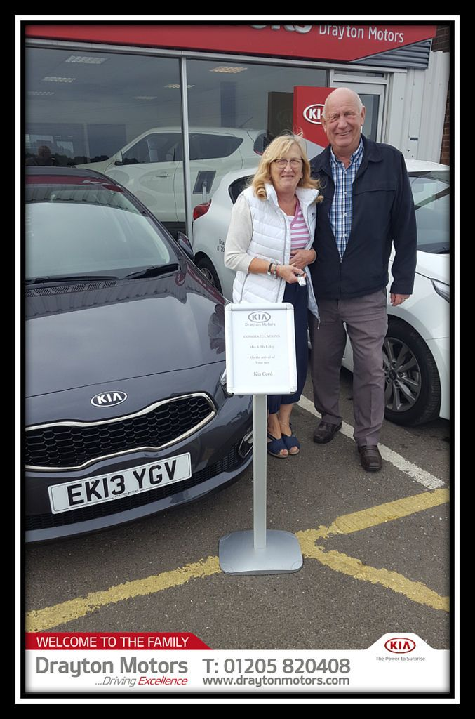 Mrs Mr Lilley Collected Their New Kia Ceed From Vanessa