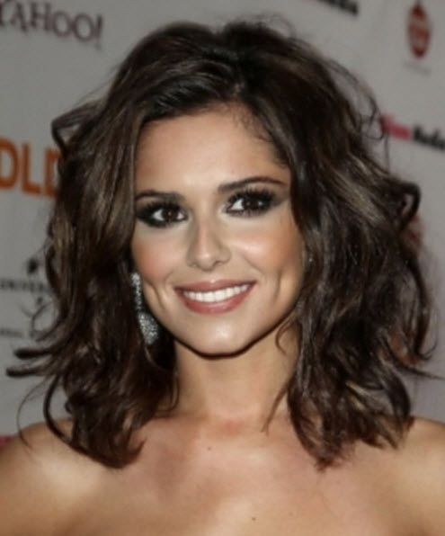 Medium Length Hairstyles Thick Wavy Hair With Images Thick Wavy Hair Wavy Hairstyles Medium Thick Hair Styles