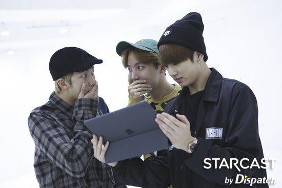 [STARCAST] 161018 @BTS_twt #WINGS Album Production #방탄소년단 #피땀눈물  (https://t.co/rvhBiqOB3S) https://t.co/9mQeOBEFJh