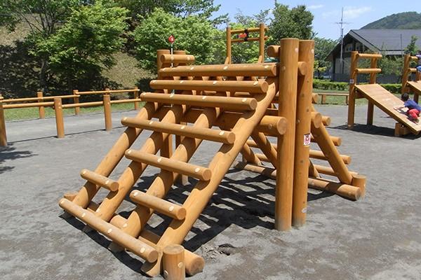 木製遊具 アスレチック遊具 製品カテゴリー 株式会社ザイエンス 遊具 アスレチック 図書館デザイン