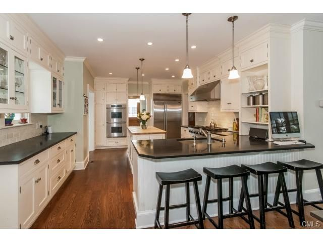 Love This Large With Lots Of Counter Space Partially Closed Off
