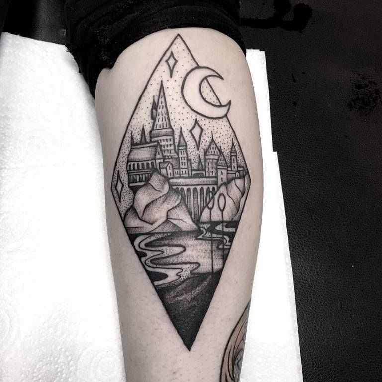 Minimalist Harry Potter Tattoos That Are Pure Magic 18 With Images Tattoos For Guys Inspirational Tattoos Hogwarts Tattoo