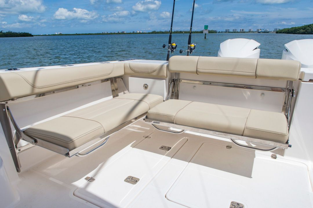 Pursuit Os 355 Offshore The Fold Down Transom Bench Seat Is Standard Equipment The Starboard Bench Fishing Boat Seats Diy Boat Seats Pontoon Boat Accessories
