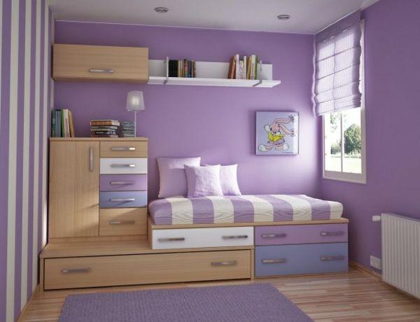 Lovely kinderzimmer mit lila wandgestaltung und holzschr nken Kinderzimmer Einrichtung u auff llige Ideen