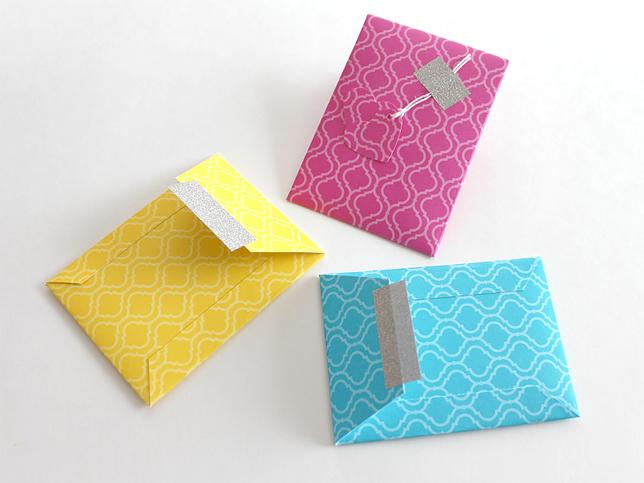 pochette en papier tutoriel 05 enveloppe pochette boite pinterest pochettes enveloppes. Black Bedroom Furniture Sets. Home Design Ideas