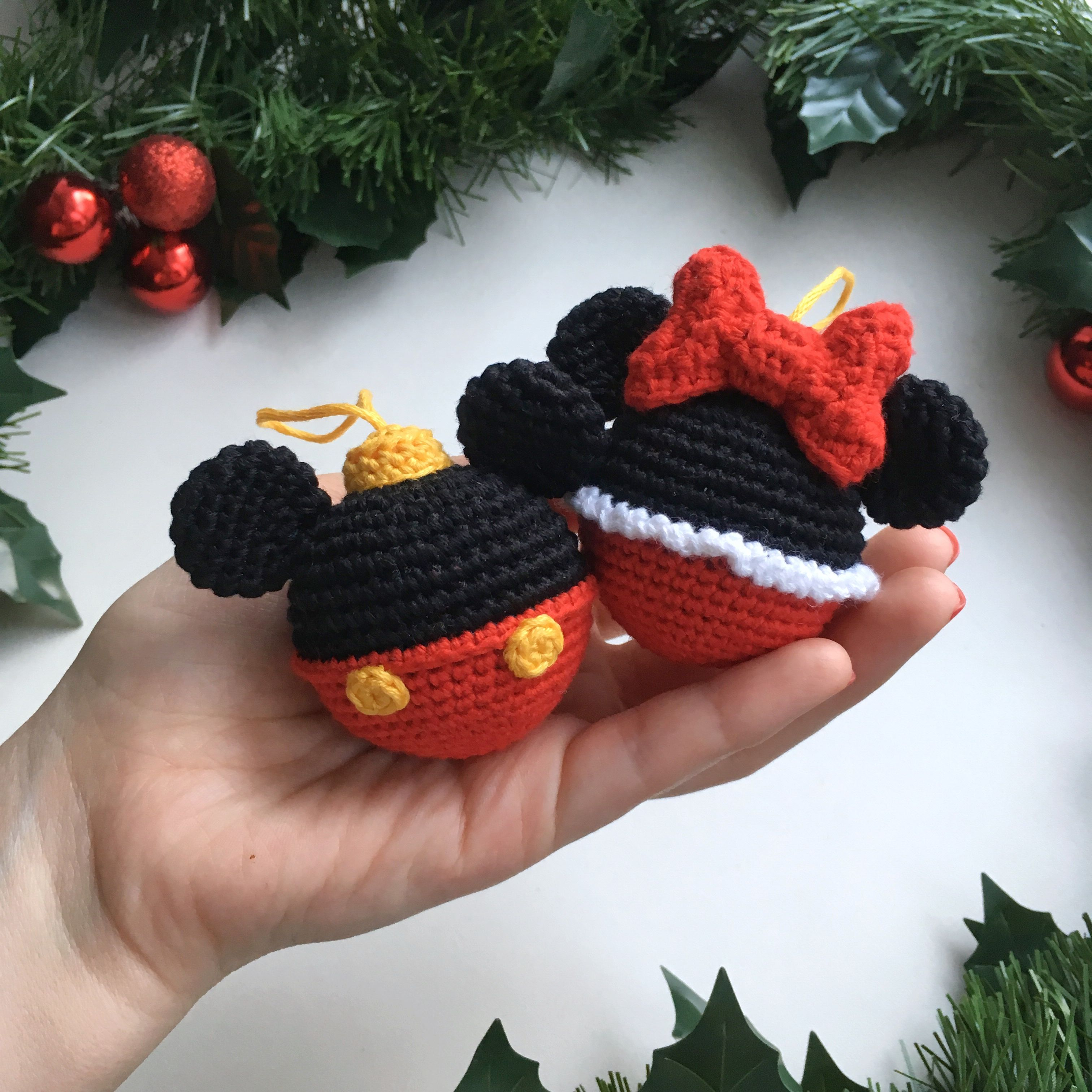 Disney bauble ball Mickey&Minnie Mouse crochet pattern Christmas ball Crochet Mickey tutorial Christmas Gift Minnie Mouse Bauble Decoration #christmascrochetpatterns