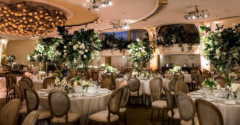 A Beautiful Garden Themed Wedding Celebration In The Crystal