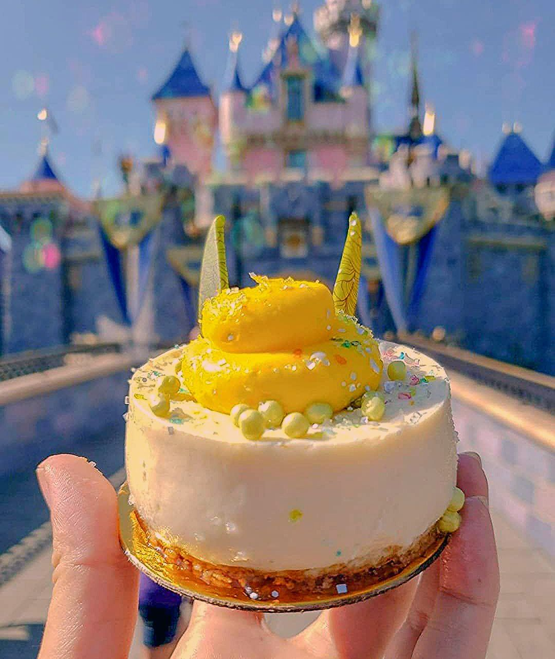 Photo of New Tinker Bell Inspired Coconut Cheesecake Has Landed At Disneyland Park