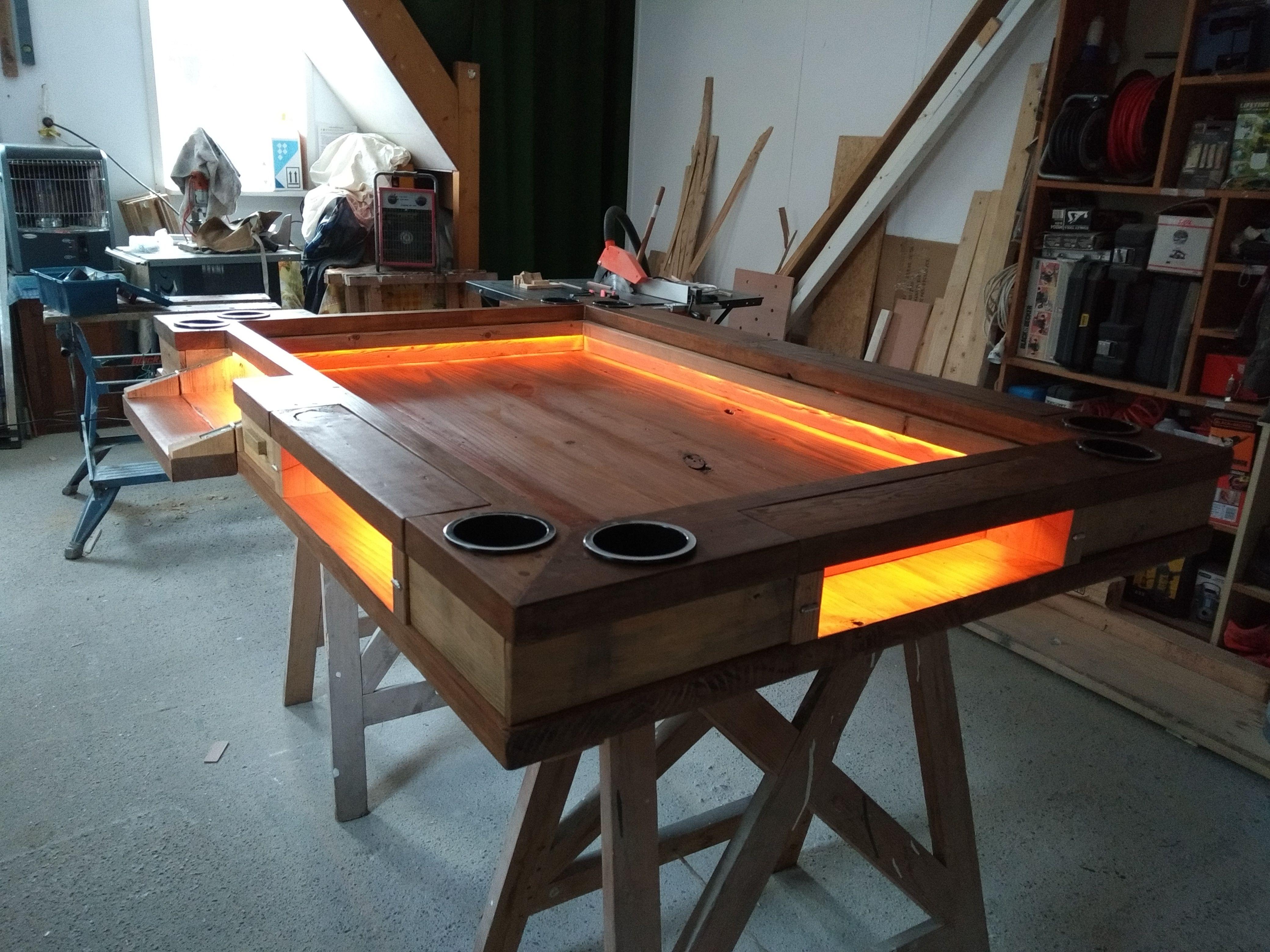 Game-tafel met led-verlichting, bekerhouders en uitklapbare ...