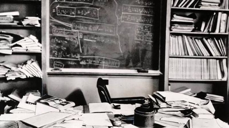 Einstein S Desk Hours After He D His Quote If A Cluttered Shows