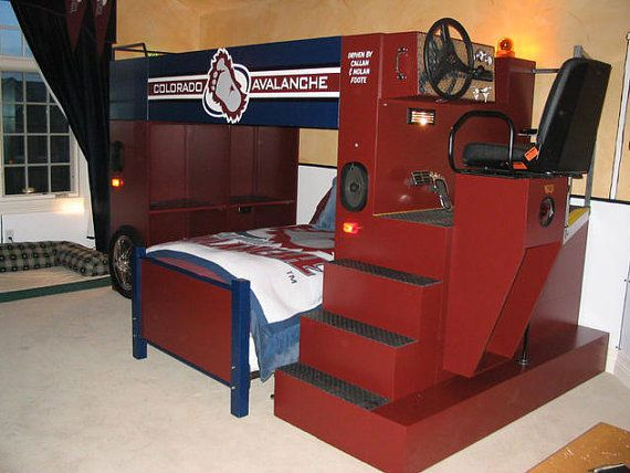 Here 39 s a bunk bed designed to resemble a zamboni machine for Chicago blackhawk bedroom ideas
