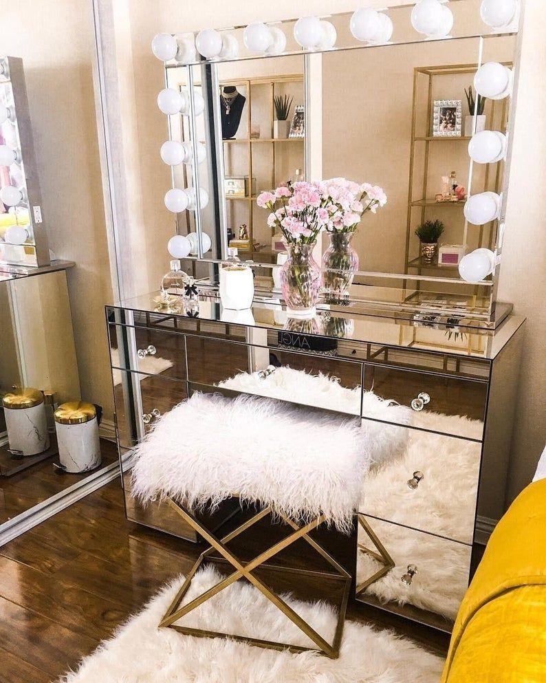 Hollywood Makeup Vanity Mirror with LightsImpressions