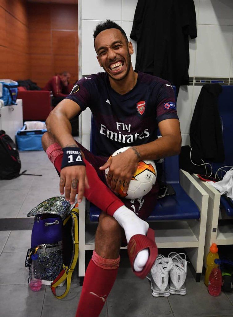 Hat Trick Pierre Emerick Aubameyang Football Football Pictures Aubameyang Arsenal
