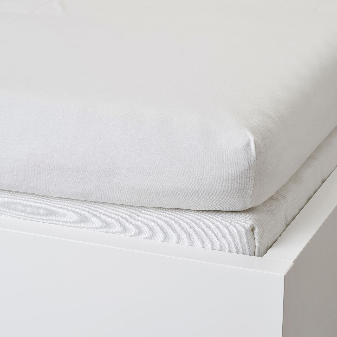 Varvial Spannbettlaken Fur Tagesbett Weiss Ikea Osterreich In 2020 Fitted Sheet Ikea Mattress