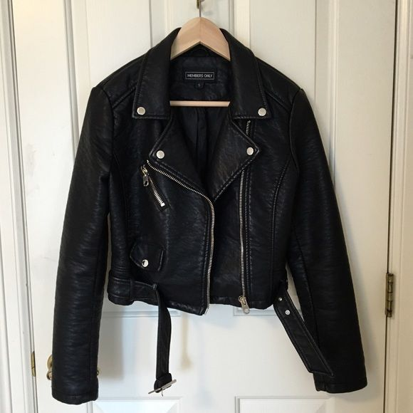 UO pebbled leather jacket Urban Outfitters pebbled leather jacket by Members Only. Looks brand new, no flaws. Size small. Very soft leather and comfortable. Silver hardware. Urban Outfitters Jackets & Coats