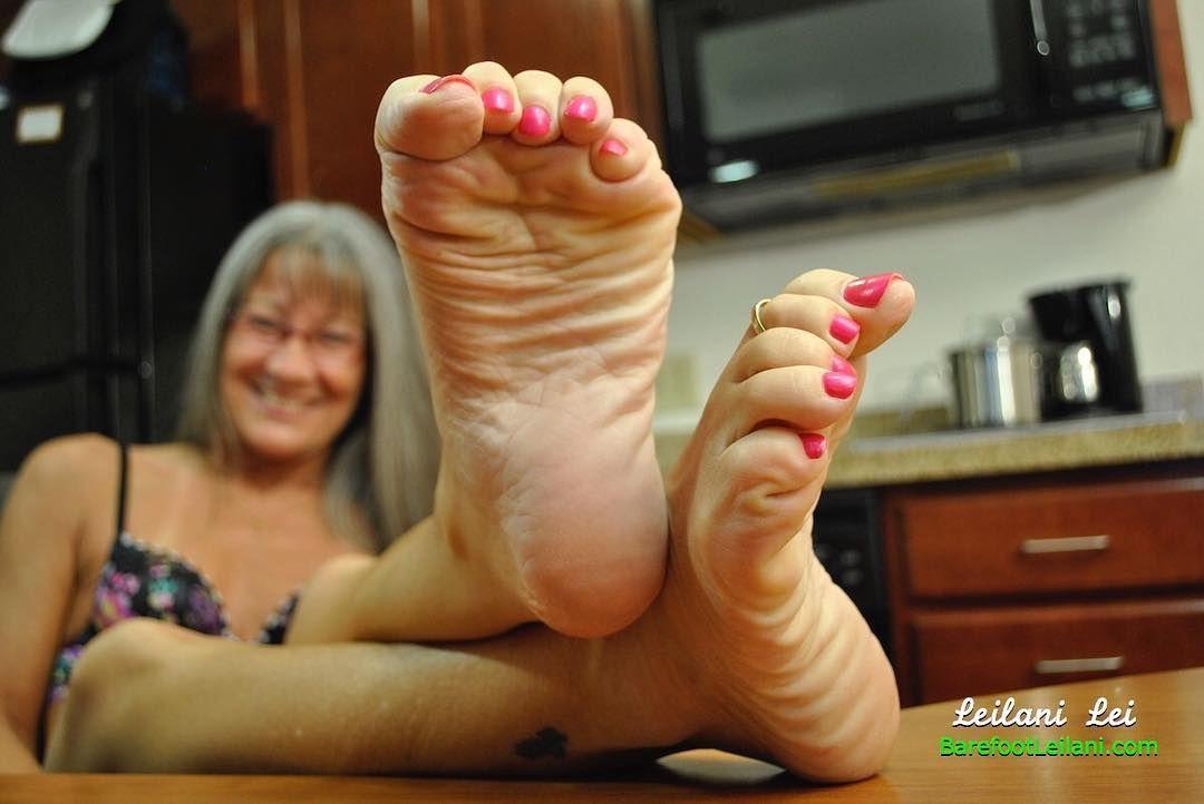 Milf paula green toenails