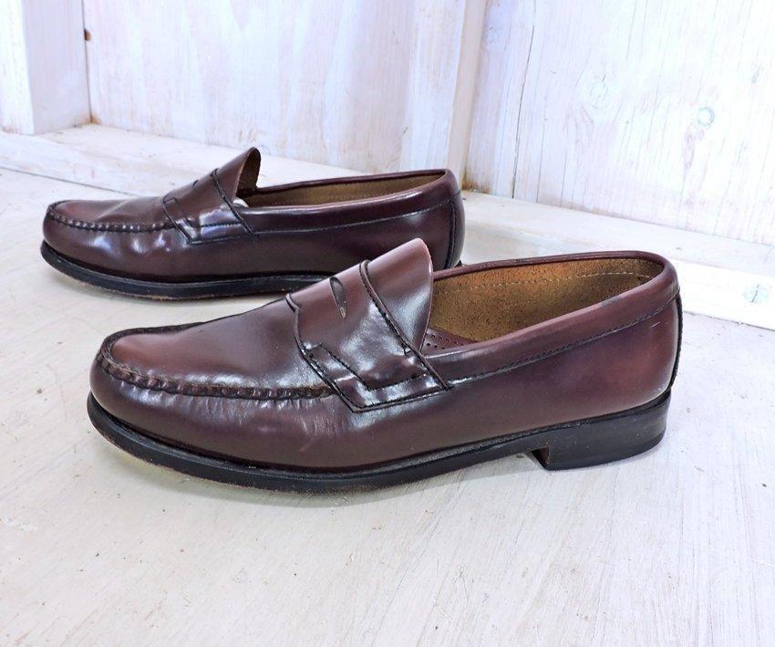f9c25e9a17b Vintage G H Bass loafers Mens 9 D   Weejuns penny loafers  s  vintage   gravelstreetvintage  secondhand  forsale  vintageshop  fashion  tshirt   vintagedress ...