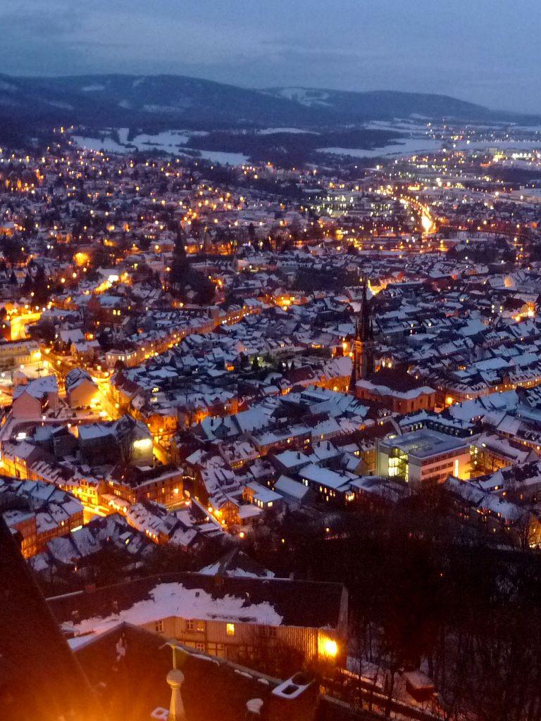 Wernigerode Weihnachtsmarkt.Blick Auf Die Winterlich Verschneite Stadt Wernigerode Willkommen