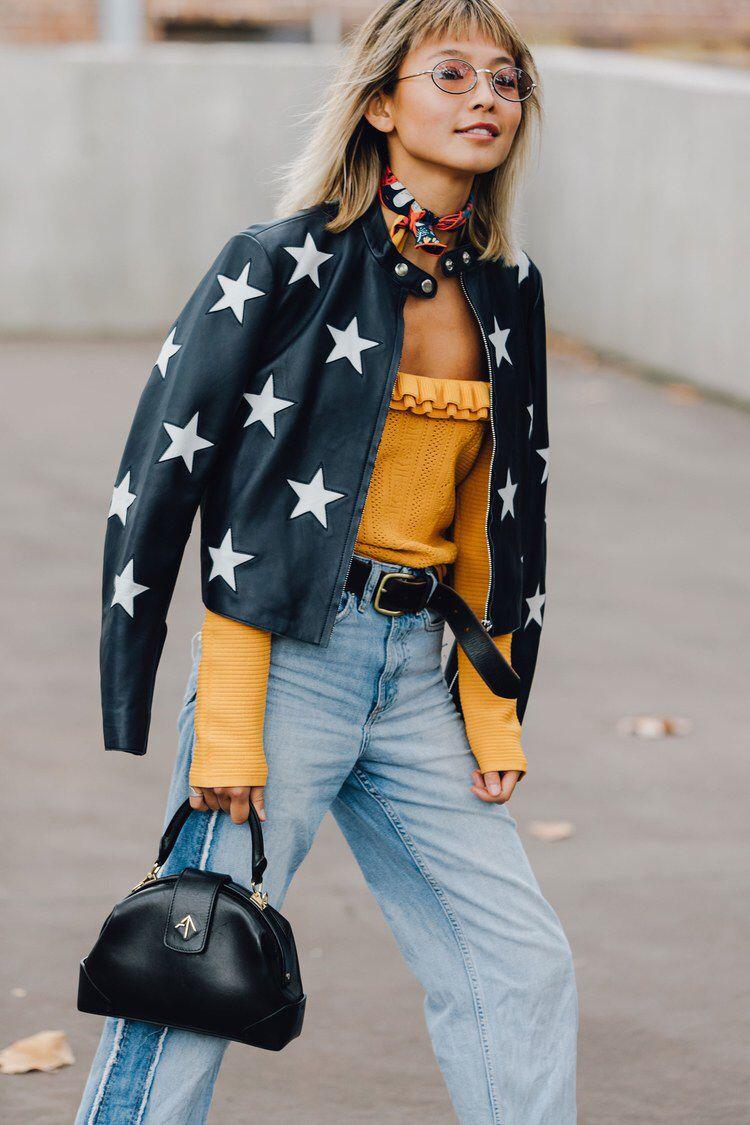 e05b1c60236 The Best Street Style From Australian Fashion Week 2017 | Moda ...