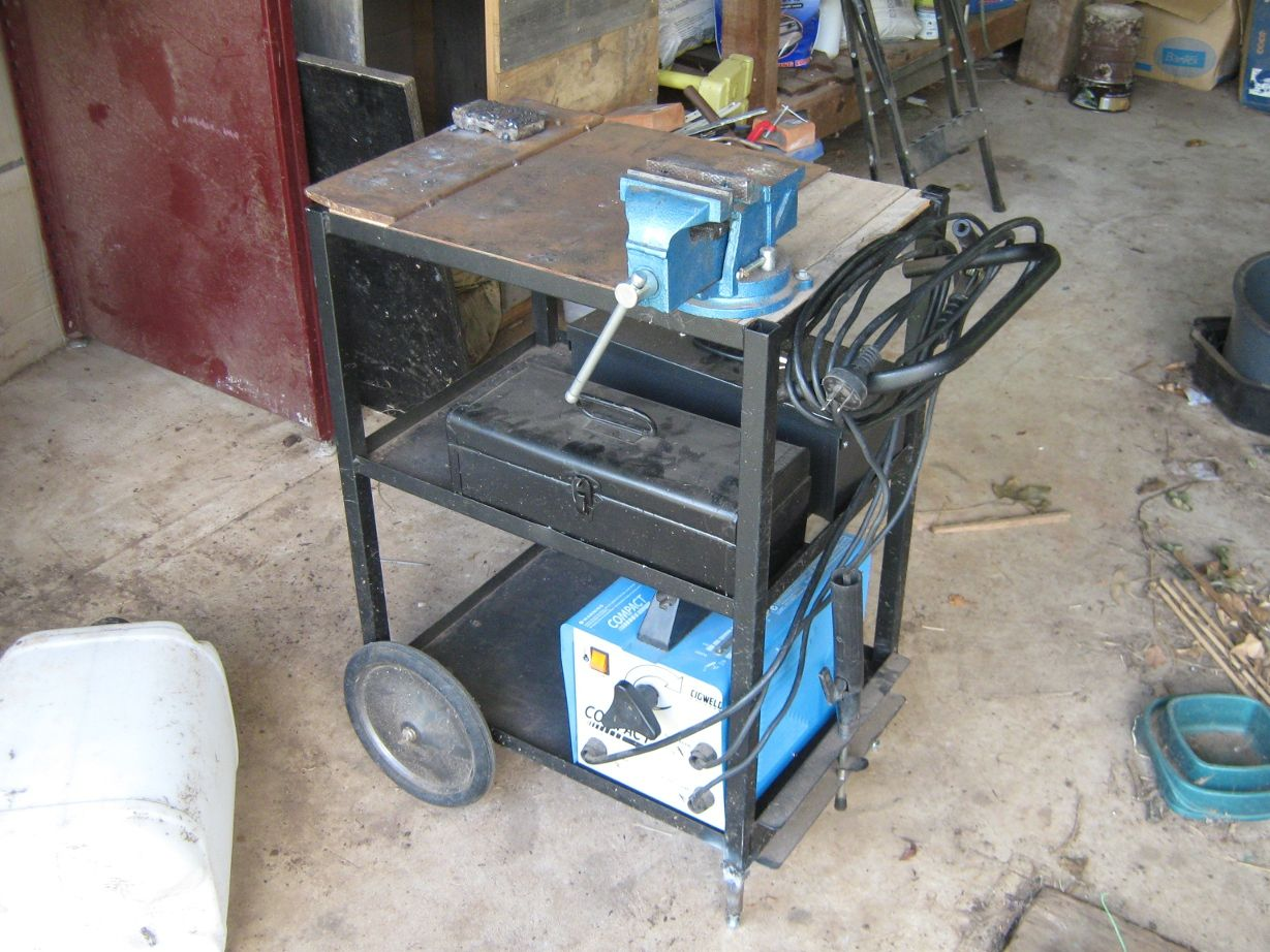 Simple mobile welding cart/table. | Welding tables and fab benches ...