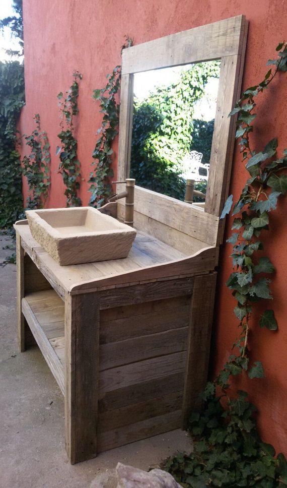 Badezimmer aus Holz-Palette Recycling mit Imitation Stein - badezimmerschrank mit waschbecken