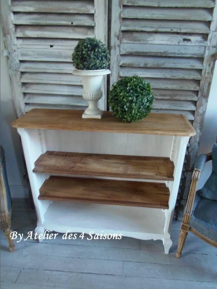 petite biblioth que au look simple et chic un basique. Black Bedroom Furniture Sets. Home Design Ideas