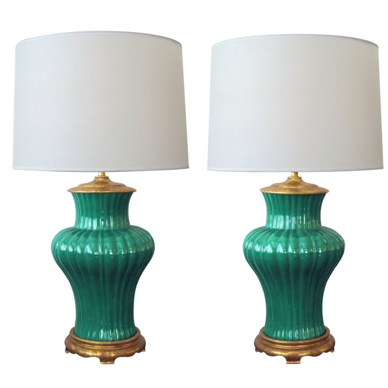 A Vibrant Pair Of American 1940 S Emerald Green Ribbed Porcelain Lamps Porcelain Lamp Lamp Living Room Accessories
