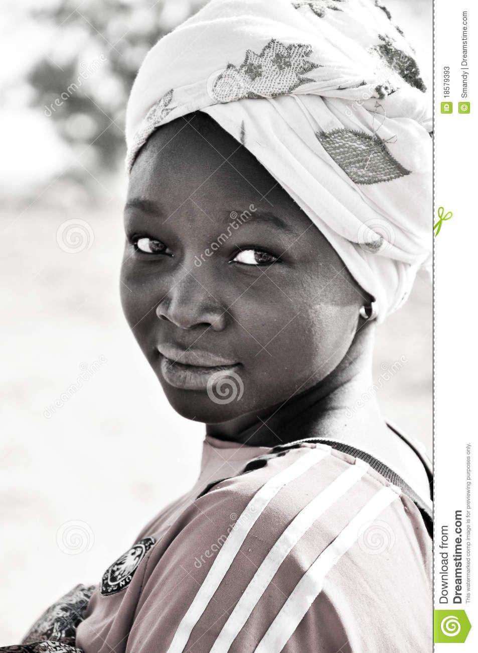 Retrato Blanco Y Negro De Mujeres Africanas Foto de archivo editorial - Imagen: 18579393