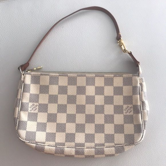 30d2d581216b Shop Women s Louis Vuitton White size OS Mini Bags at a discounted price at  Poshmark.