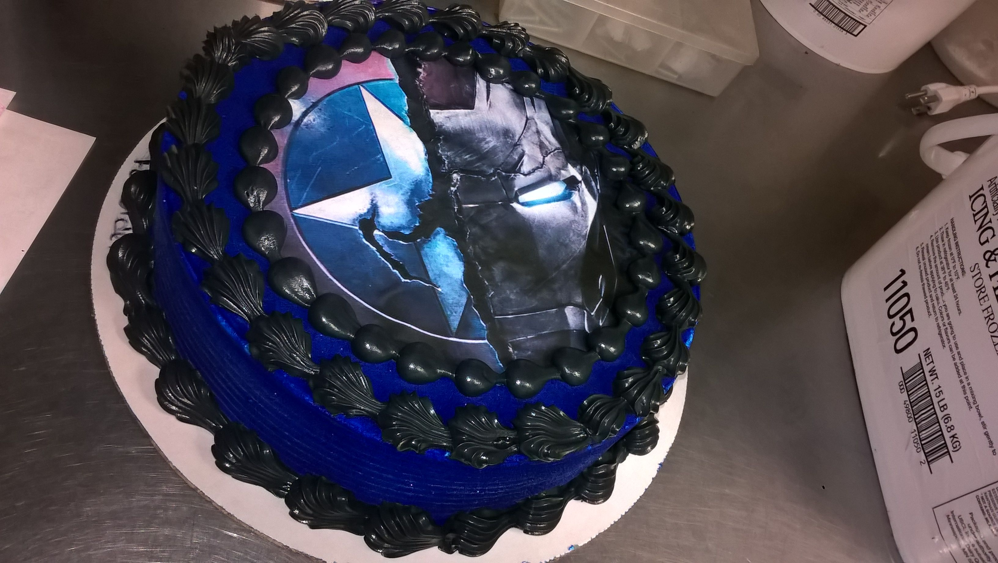I Loved Doing This Cake Captain America And Iron Man Civil War