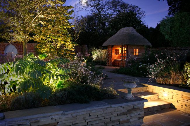 Garden Light Design Illuminate your garden to give it a festive