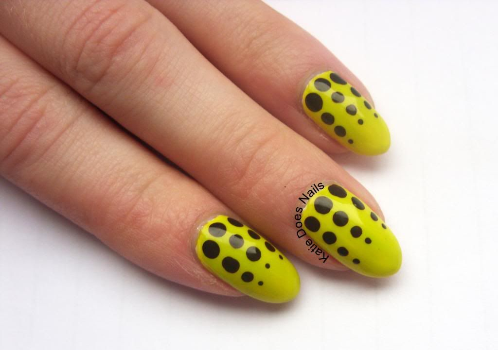 Black+And+Yellow+Nails | Black Graduating Dots Over Neon Yellow ...