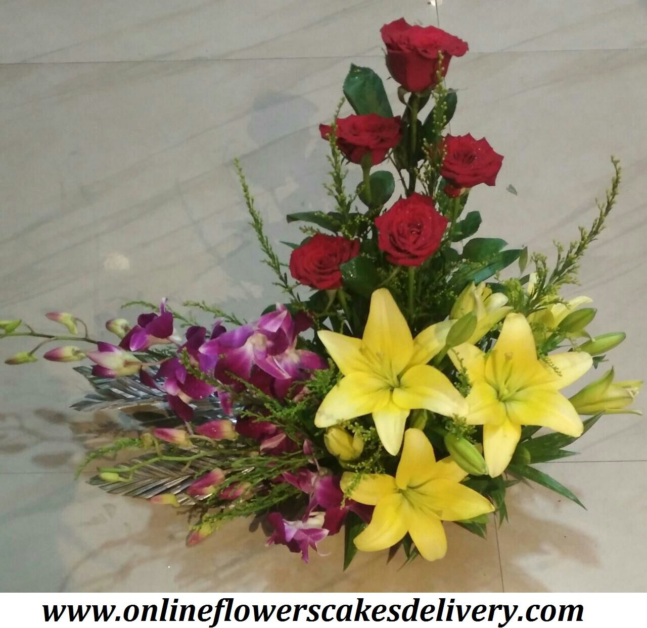 Send Flower To Durg India Online Flowers Online Chocolates Online Delivery Florist Offering Flower Cak Flowers Online Flower Arrangements Online Chocolate