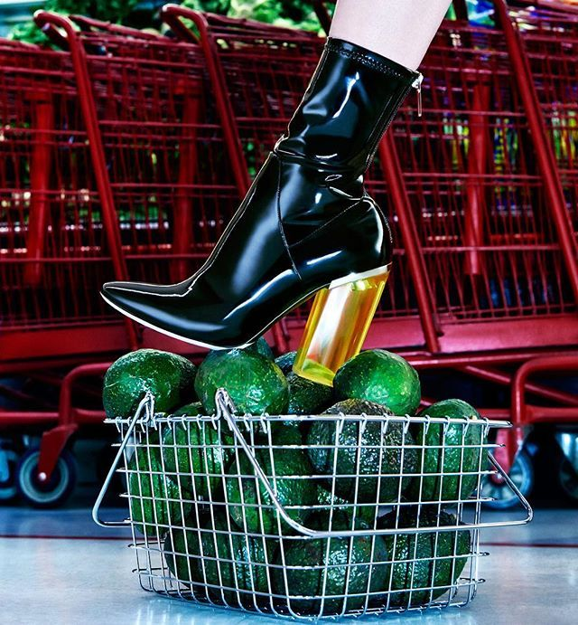Fashion betches love avocados and these @dior booties. Tell me you haven't…