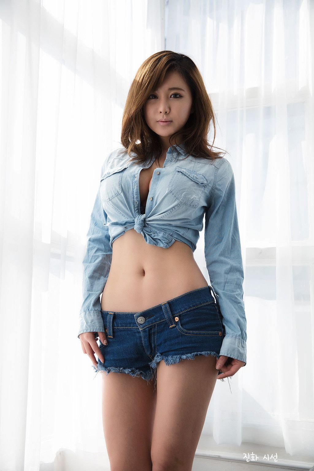 Beautiful Japanese Girl In Jeans High Resolution Stock Photography And Images