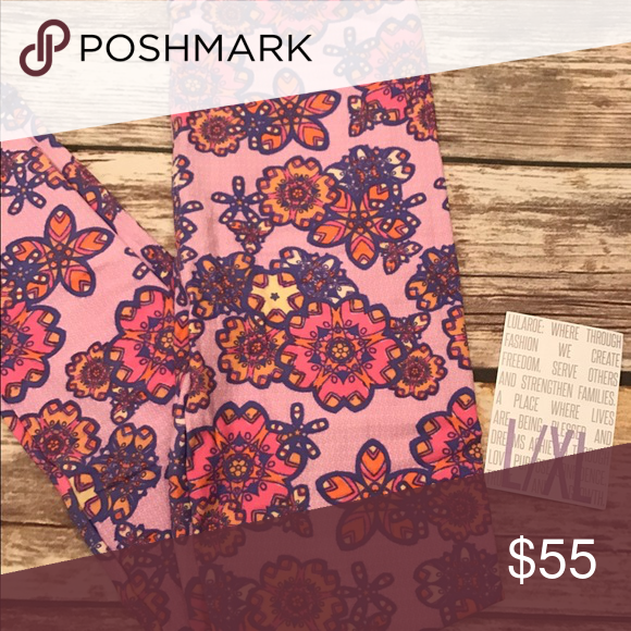 Matching leggings mommy and me I have all sizes in this cute spring legging. Tell me In the comments what two sizes you want. TC, OS, Tween, l/XL and s/m! LuLaRoe Pants Leggings