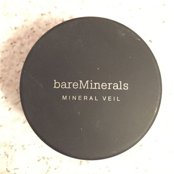 Bare minerals mineral veil large Used once but i got another in a package ! bareMinerals Makeup Face Powder